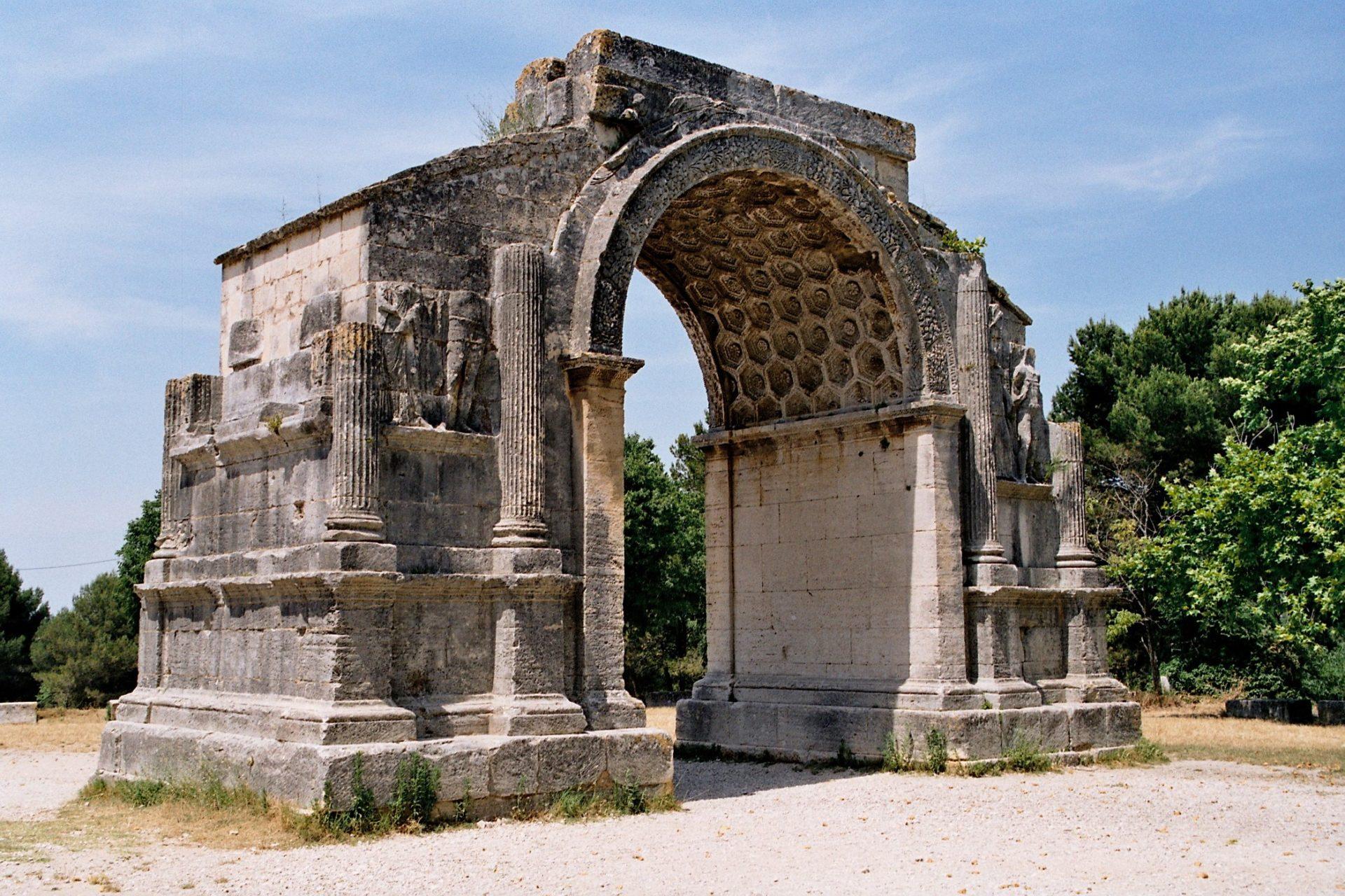 Visiter le côté historique de la Provence avec la cité antique de Glanum