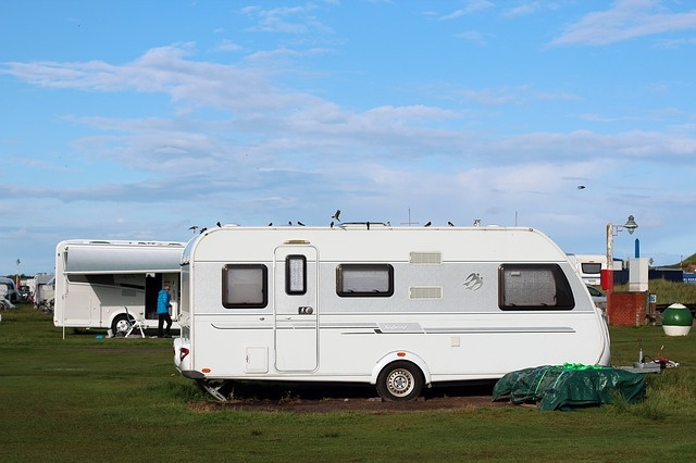 location-caravanes-camping-trois-etoiles-frejus